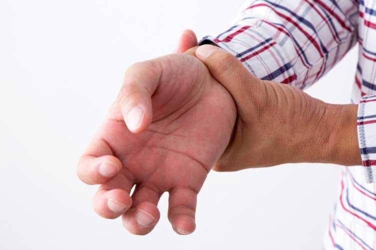 治ら ない 腱鞘炎