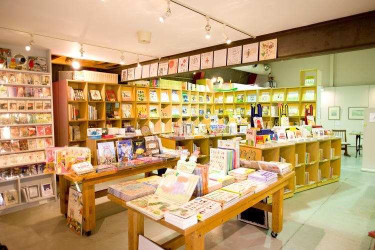 BOOKSHOP-TRAVEL_20181201_15.jpg
